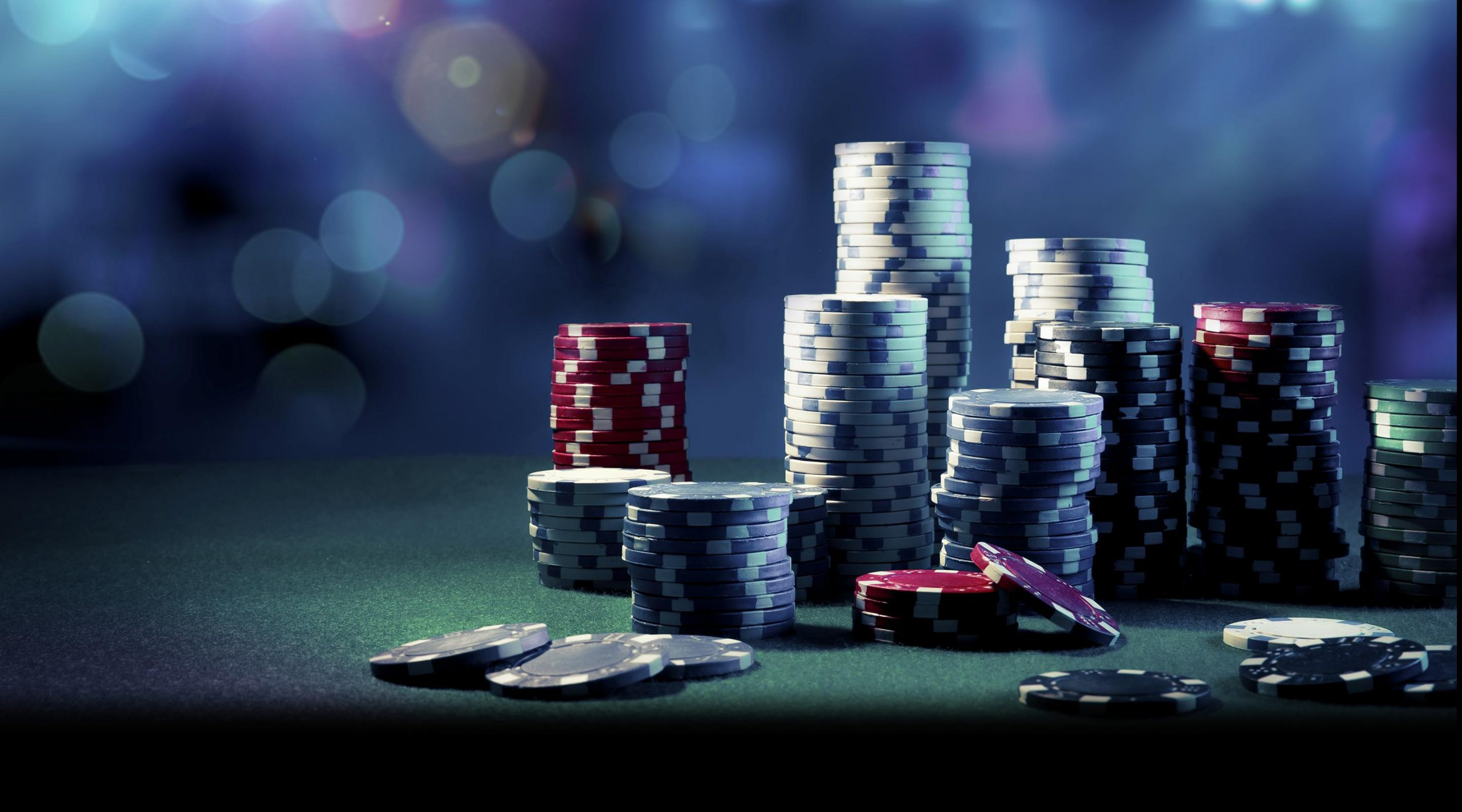 Explore the important aspects of dominoqq gambling facilities on online